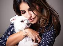Monika Cruz with Dog © Peter M. Mayr